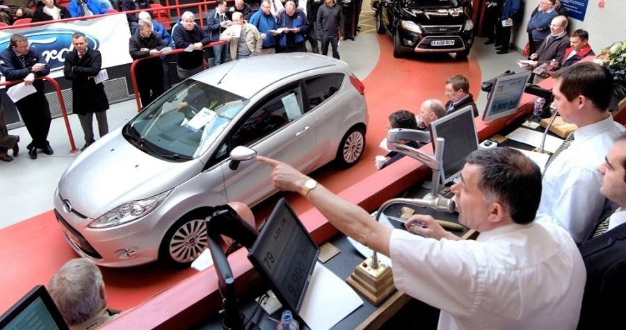 buying car at auction